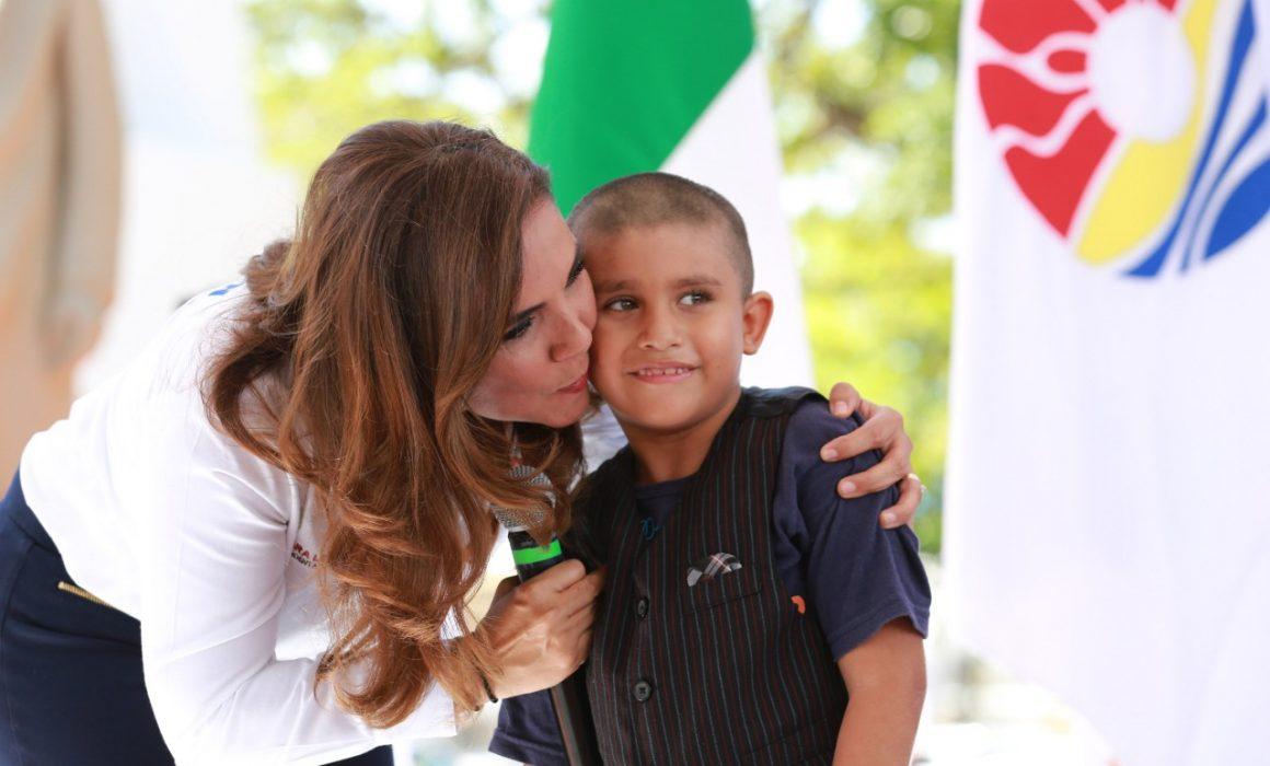 Resultado de imagen para Dan bienvenida a competidores de Cabildo Infantil de Benito Juárez