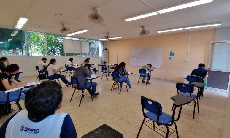 Pasa de 4 a 6 horas el horario de clases presenciales
